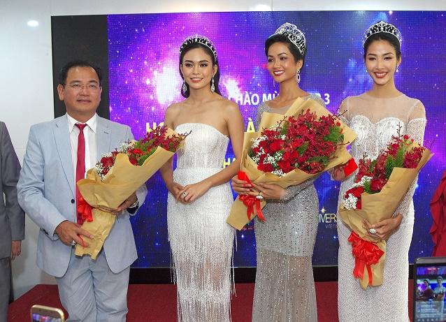 Top 3 Hoa hậu Hoàn vũ Việt Nam 2017 thăm và cám ơn nhà tài trợ Việt Úc