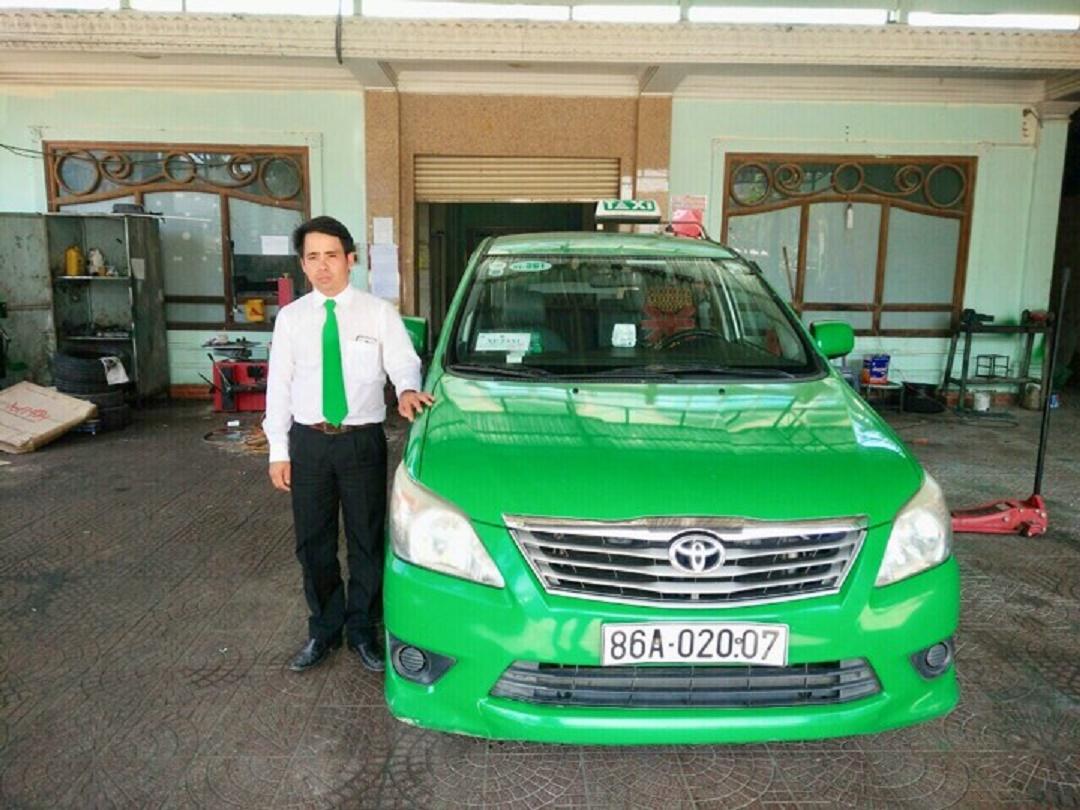 Lái xe Mai Linh Bình Thuận dũng cảm bắt tên cướp nghiện ma túy