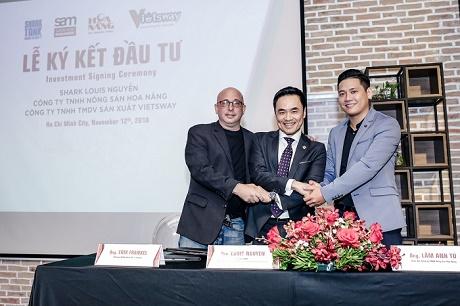 Lễ ký kết đầu giữa Shark Louis Nguyễn với Công ty TNHH Nông sản Hoa Nắng và Công ty TNHH Thương mại Dịch vụ Sản xuấn VIETSWAY