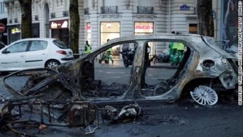 Tổng thống Pháp quyết dẹp bạo loạn bằng mọi giá