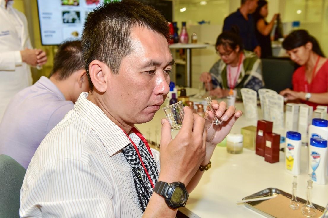 Ban lãnh đạo Saigon Co.op đến thăm trung tâm nghiên cứu trị giá 200 triệu USD của P&G tại Singapore