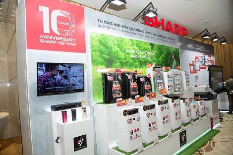 Sharp ra mắt loạt sản phẩm ứng dụng công nghệ mới nhân kỷ niệm 10 năm tại Việt Nam