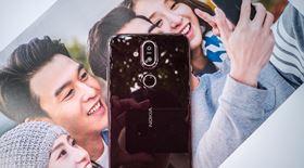 Mở hộp Nokia 8.1: thiết kế đẹp, cấu hình rất tốt, quà tặng hữu ích