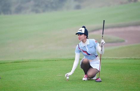 Á hoàng Golf Queen Hải Anh dành giải Nhất bảng Nữ trong giải Golf Kremlin Cup 2019