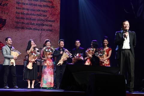 Nhạc sĩ Dương Thụ cùng dàn sao gạo cội khiến khán giả nức lòng tại concert Đánh thức tầm xuân