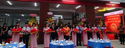 Công ty Ba Huân khai trương văn phòng mới