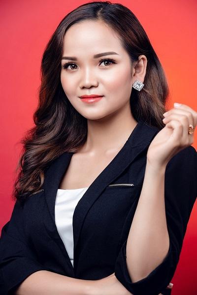 """Mẹ """"bỉm sữa"""" Phạm Thị Trang và hành trình trở thành giám đốc kinh doanh The Rose Girl"""