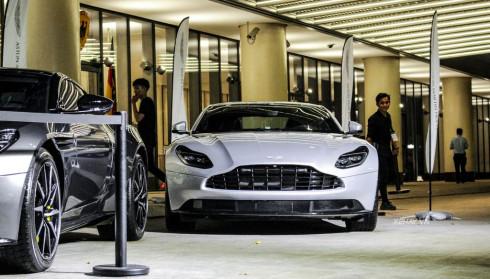 Dàn siêu xe hội tụ ngày ra mắt showroom Aston Martin đầu tiên tại Việt Nam