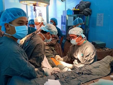 Những bước tiến mới trong phẫu thuật điều trị ung thư đầu cổ