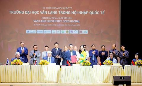 Quy tụ hơn 500 nhà khoa học tại Hội nghị Khoa học Quốc tế do trường ĐH. Văn Lang tổ chức