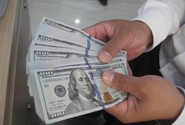 Vì sao giá USD liên tục lập đỉnh mới?