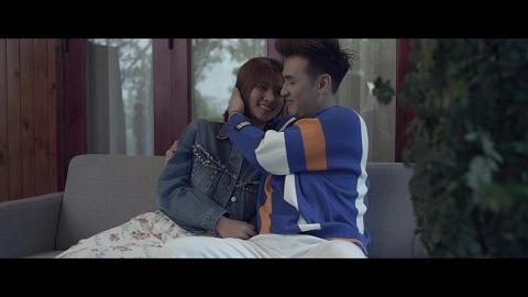 """Ca sĩ Nguyên Vũ khiến fan muốn """"lặng đi"""" với trailer đẫm nước mắt của MV mới"""