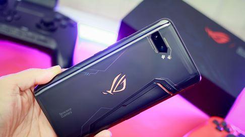 Trên tay smartphone gaming Asus ROG Phone 2 bản Tencent tại Việt Nam giá 13 triệu đồng