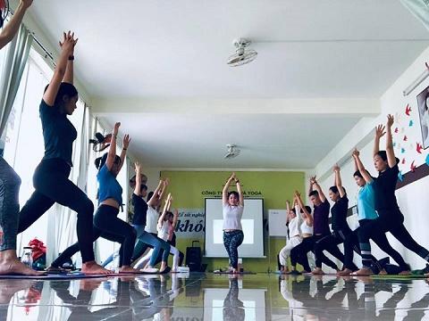 Huấn luyện viên yoga – Một trong mười nghề lý tưởng