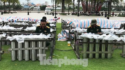 'Đột kích' trận địa pháo hoa mừng Quốc khánh trước giờ khai hỏa ở TPHCM