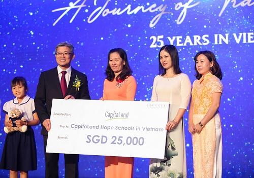CapitaLand với hành trình 25 năm tại Việt Nam, hỗ trợ 25.000 đô la Singapore cho các trường CapitaLand Hope