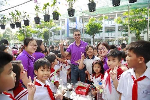 Mondelez Kinh Đô Việt Nam hỗ trợ giáo dục môi trường - giảm thiểu rác thải nhựa cho 5000 học sinh Việt Nam