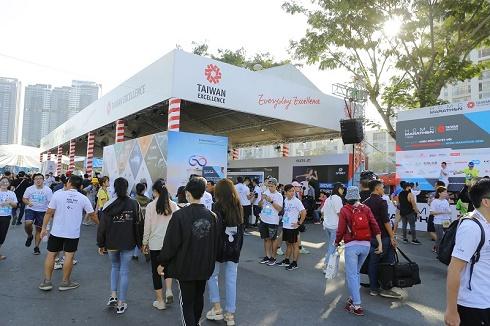 """Khám phá """"Không gian Trải nghiệm Cuộc sống Tuyệt vời cùng Taiwan Excellence"""" tại HCMC Marathon 2020"""