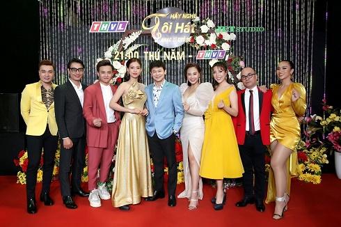 Thái Châu, Nguyên Vũ, Nam Cường, Hà Thuý Anh và hơn 30 nghệ sĩ đo nhiệt độ, rửa tay để phòng chống dịch cúm corona trong họp báo Hãy Nghe Tôi Hát
