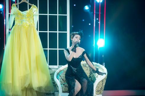 """""""Hotgirl ngân hàng"""" Khánh Tiên không muốn làm ca sĩ chỉ để đi hát đám tiệc"""