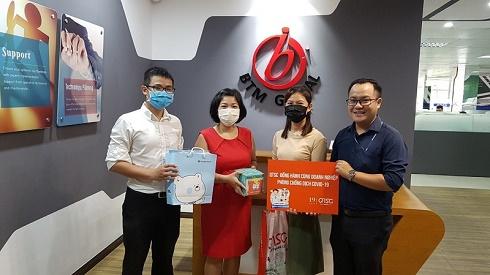 Công viên phần mềm Quang Trung tặng 2500 chai nước rửa tay phòng dịch Covid 19