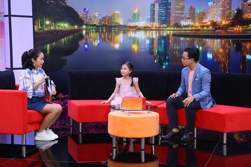 NSƯT Vân Khánh bị con gái 8 tuổi tố mê phim, không quan tâm con