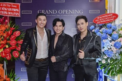 Dàn nghệ sĩ đình đám của showbiz Việt mừng siêu mẫu Nam Phong khai trương cửa hàng thời trang