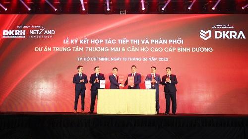 Lễ ký kết phát triển dự án Trung tâm thương mại & Căn hộ cao cấp tại TP.Thuận An (Bình Dương).