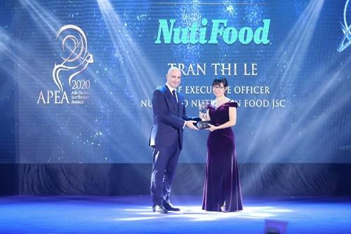 NutiFood nhận ba giải thưởng về doanh nghiệp và lãnh đạo xuất sắc châu Á