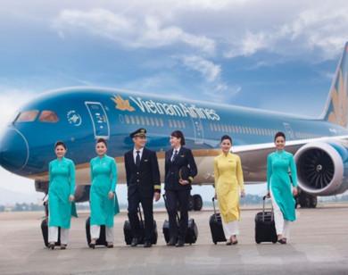 Cổ phiếu Vietnam Airlines giảm liên tục khi tiếp viên nhiễm Covid-19