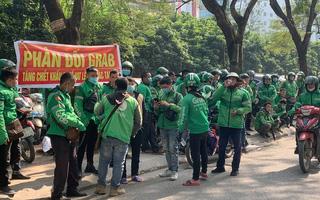 Tài xế Grab bị trừ 10% VAT, Luật sư Trương Thanh Đức: Không thể đối xử với người lao động như thế