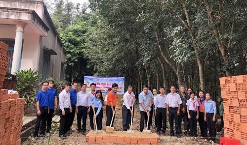 Khởi công xây dựng Ngôi nhà Khăn quàng đỏ tặng học sinh khó khăn
