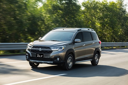 Suzuki khuyến mãi lớn nhất năm: XL7 'đại náo' phân khúc SUV 7 chỗ