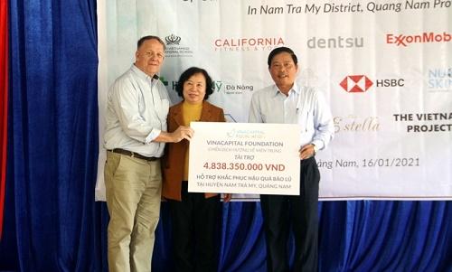 VinaCapital Foundation trao hơn 4,8 tỷ đồng hỗ trợ khắc phục hậu quả thiên tai tại Nam Trà My