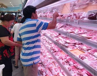 TP Hồ Chí Minh: Giá bán thịt heo bình ổn giảm từ 4.000-16.000 đồng/kg