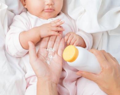 Mách bạn cách chọn phấn rôm cho trẻ