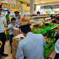 Phạt cửa hàng Bách Hóa Xanh bán hàng giá cao hơn niêm yết trong mùa dịch