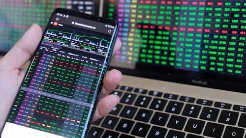 Nhà đầu tư chứng khoán hạn chế sử dụng đòn bẩy hoặc mua đuổi ở các nhịp hồi phục