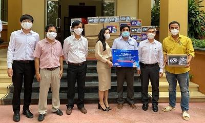 Quỹ từ thiện Kim Oanh kết hợp BV Đại học Y Dược TP.HCM hỗ trợ tối đa phóng viên, biên tập viên bị F0
