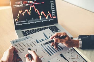Áp lực bán gia tăng, VN-Index giảm mạnh hơn 10 điểm