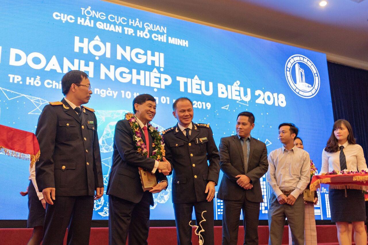 Cty ông Hạnh Nguyễn được cục Hải Quan TP Hồ Chí Minh vinh danh